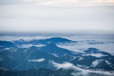 霧降高原から
